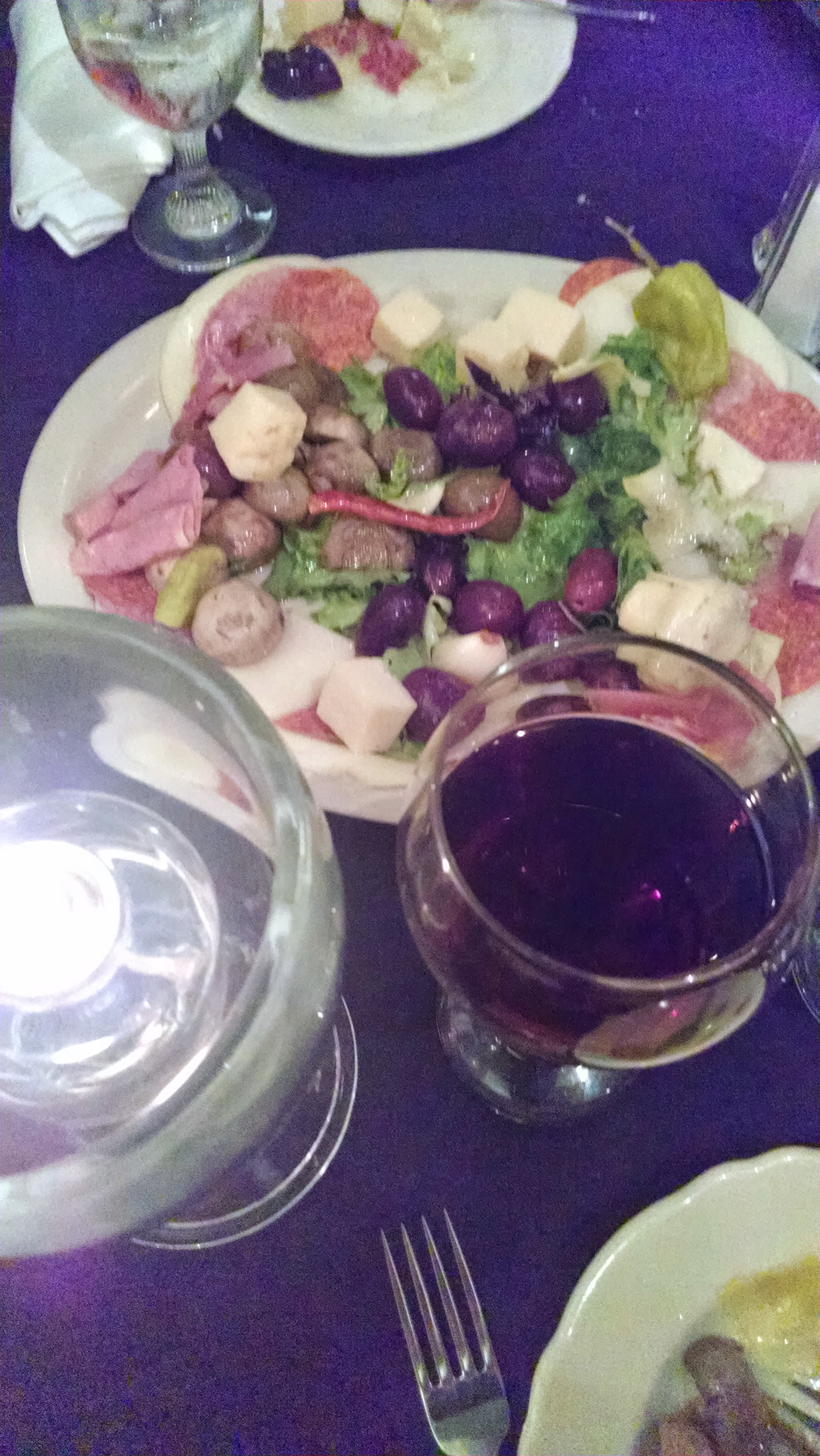 Lo Sol Mio Platter with wine